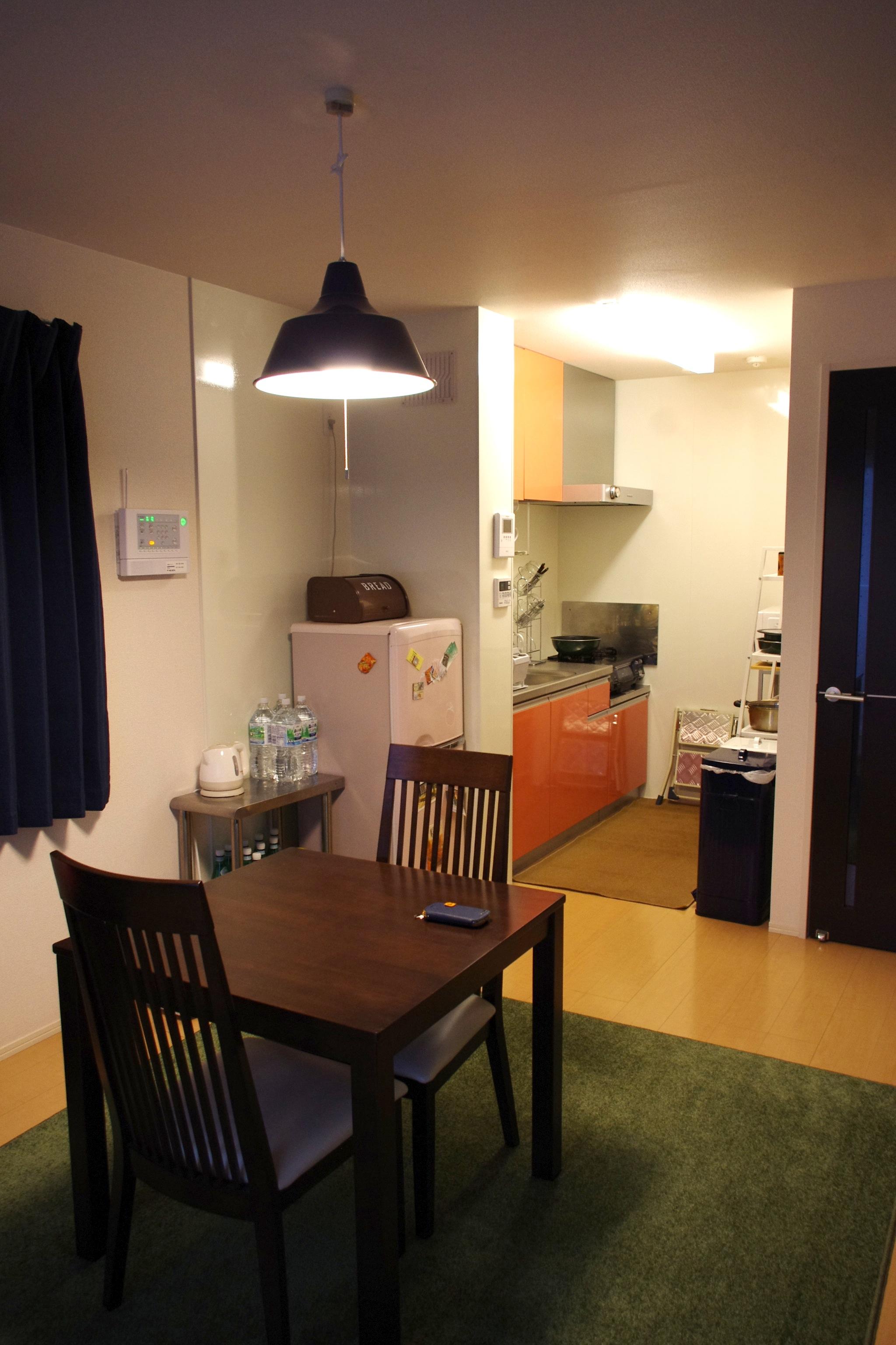 die neue wohnung esszimmer und k che 8900km berlin. Black Bedroom Furniture Sets. Home Design Ideas